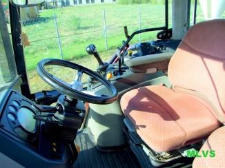 Traktorius McCORMICK XTX200