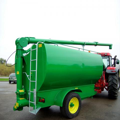 Įtalų gamybos pašarų transportavimo priekabos ir puspriekabės