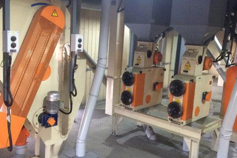 Grūdų lukštenimo įrenginiai