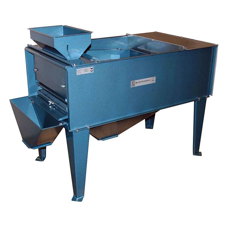 Valymo įrenginys skirtas nepageidaujamiems produktams (akmenims, piktžolių sėkloms, toksinams ir žvyrui) atskirti.