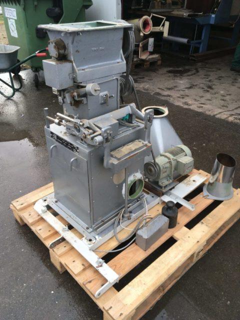 Birių produktų dozavimo-fasavimo įrenginiai