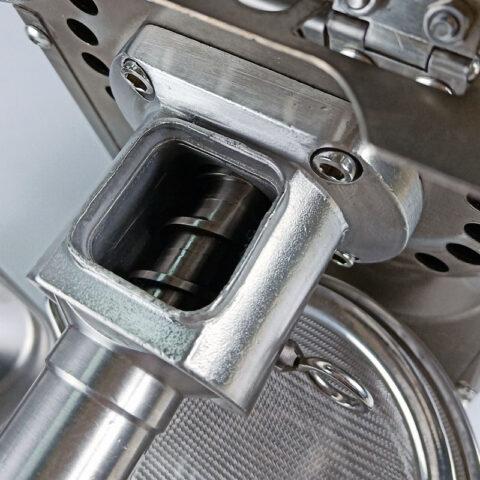 Aliejaus presas MLVS-04T - velenas presavimo kameroje