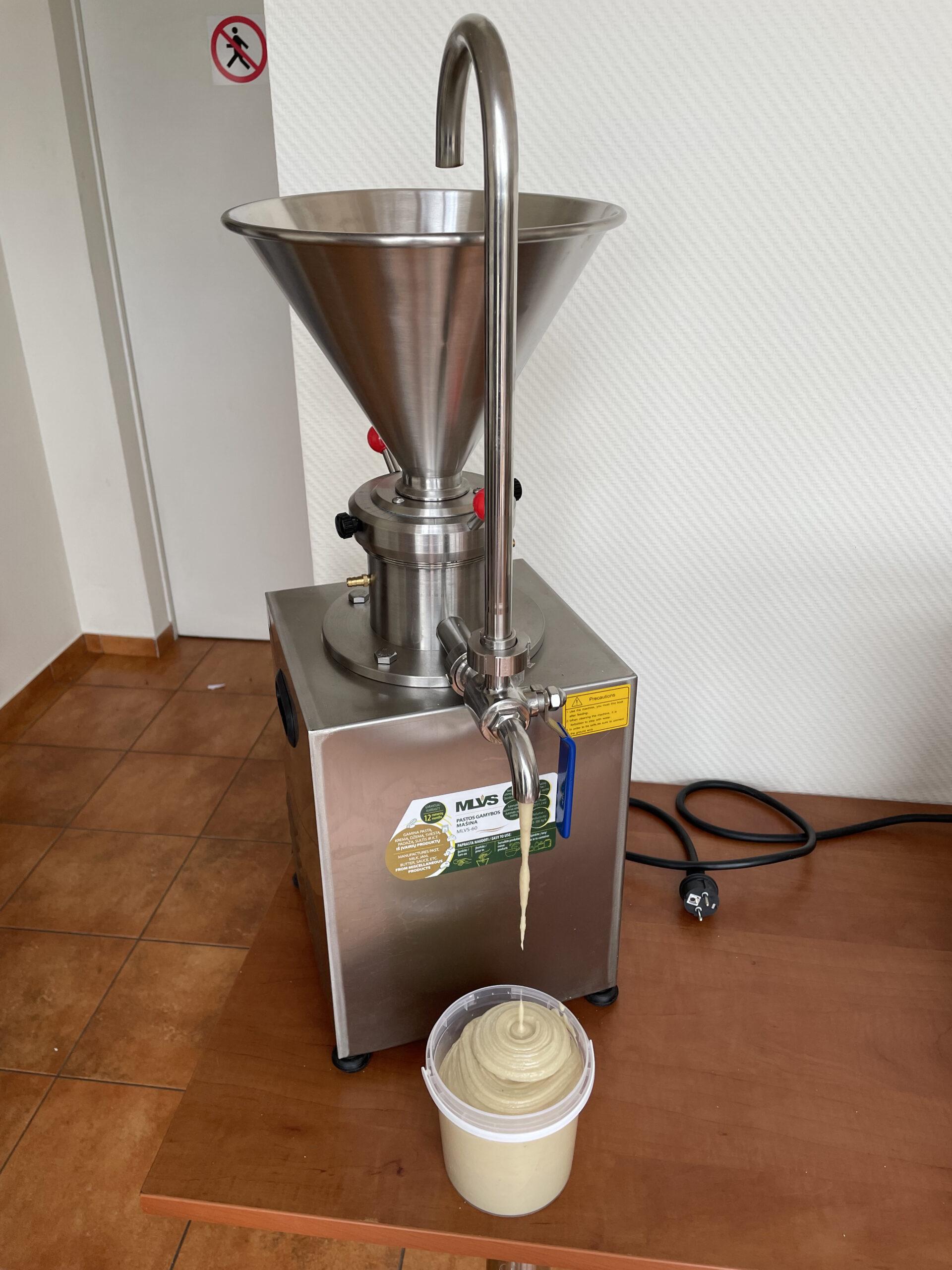 Makadamijos riešutų sviesto gamyba